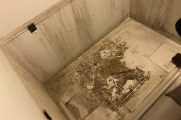 浴室クリーニングと防カビ・オゾン殺菌とコーキング(福岡市博多区)