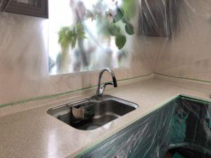 キッチン人工大理石大理石の研磨作業