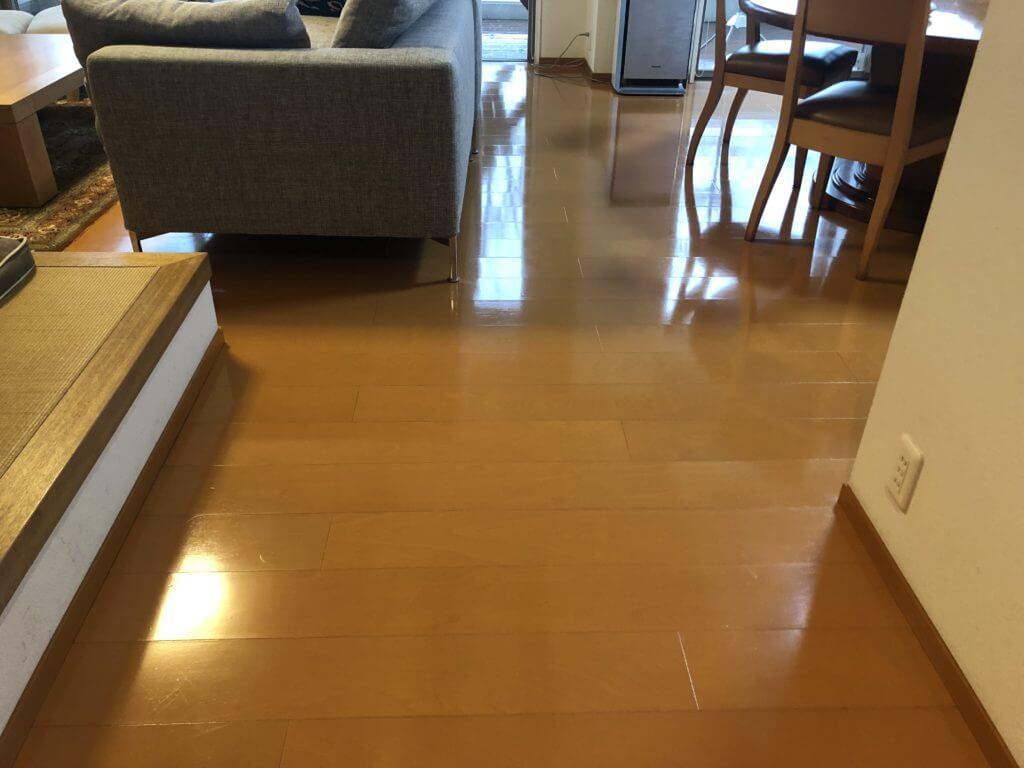 床の定期清掃