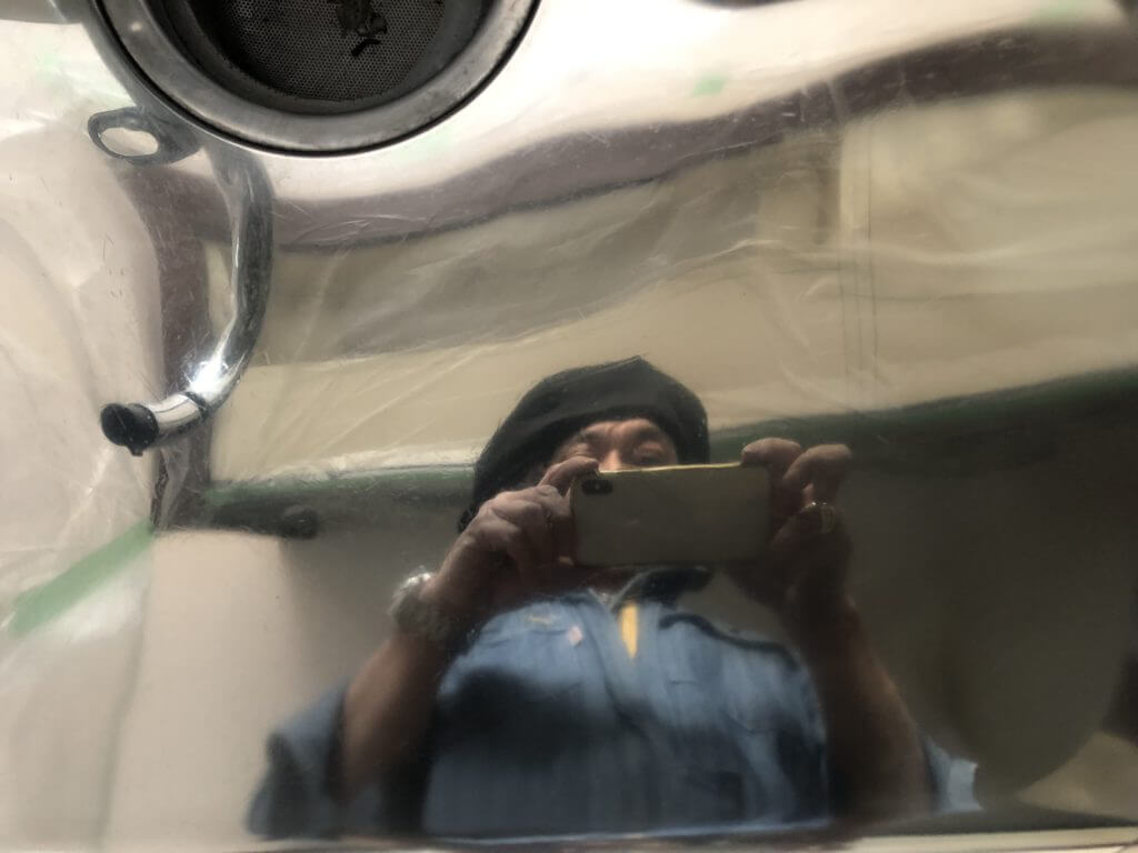 鏡面仕上げのステンレスシンク