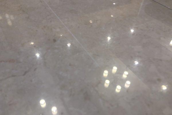 大理石の傷補修