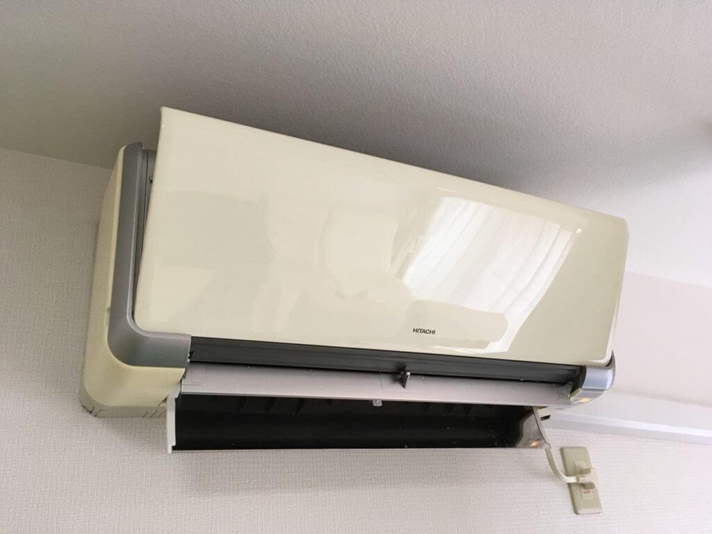 日立のお掃除ロボット機能付のエアコン