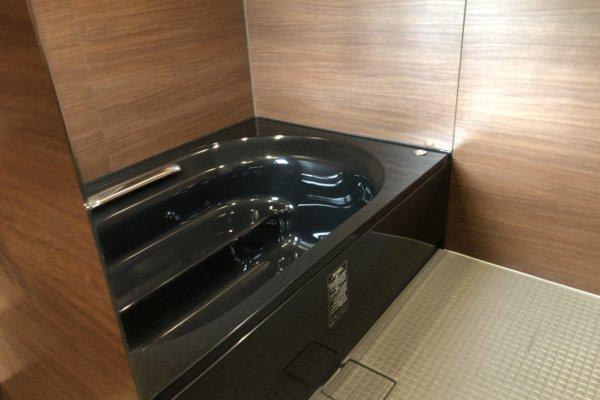 INAX(Lixil)の黒い浴室掃除